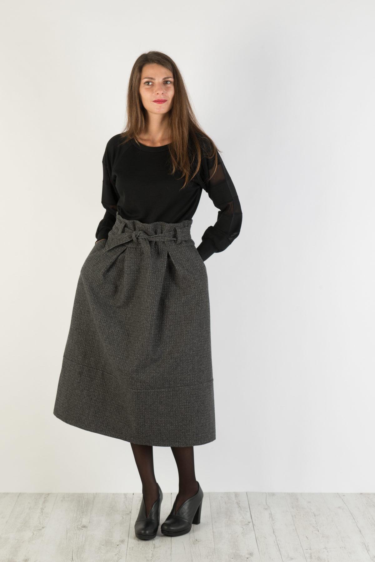 890b8b757dc119 High waisted skirt Florie gonna con maxi pinces moda FW 2017-2018